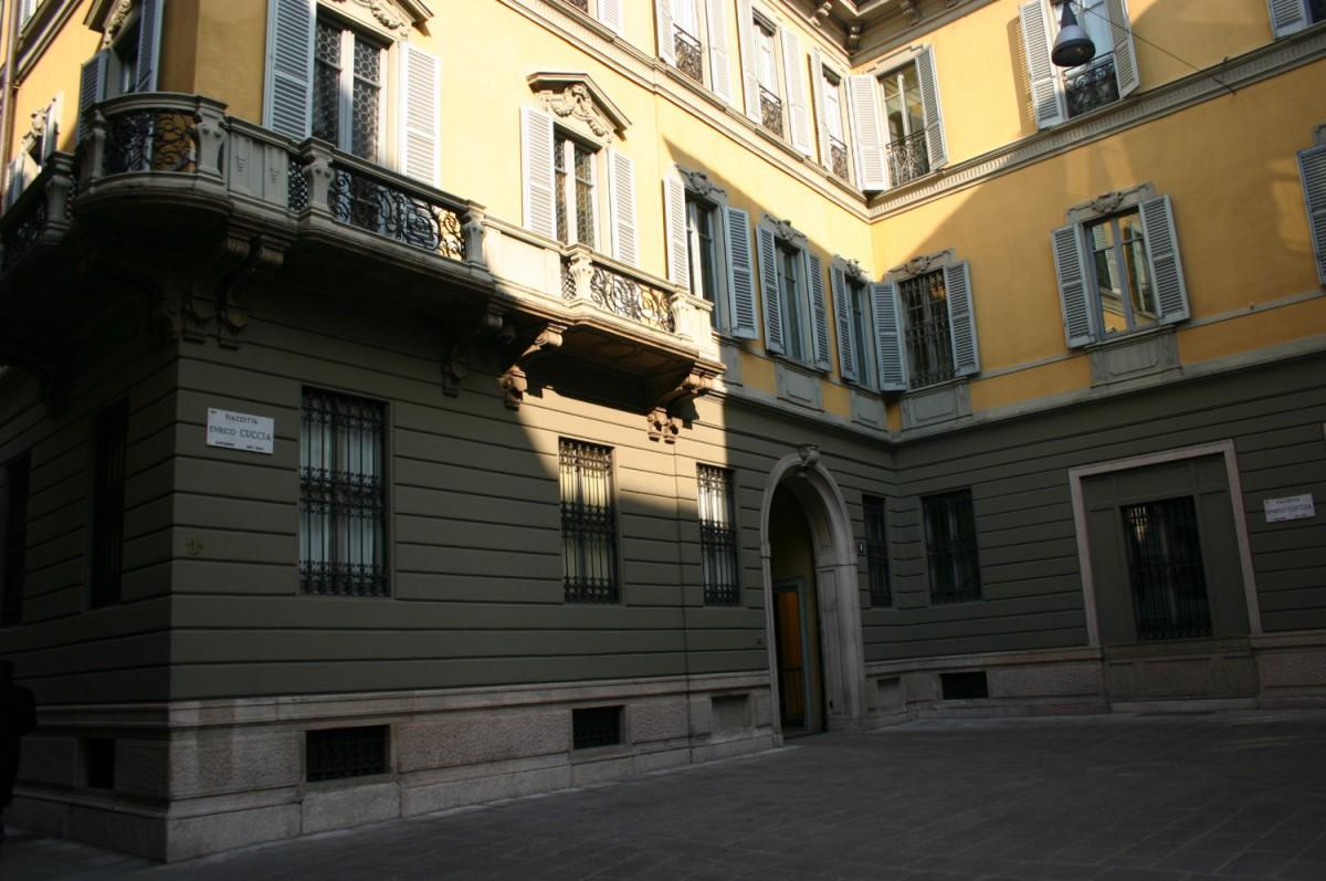 Mediobanca - Piazzetta Cuccia (2) Imc (Foto Giovanni Dall'Orto)
