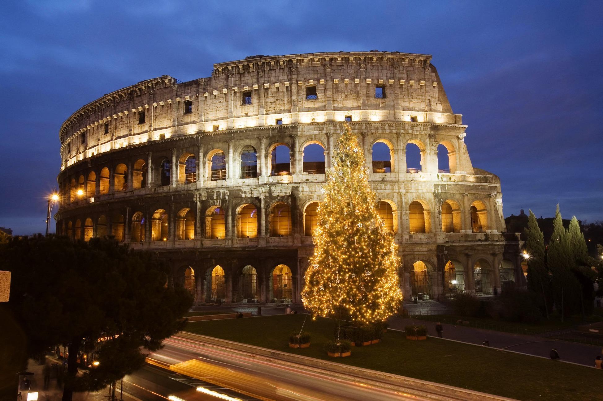 Roma - Albero di Natale e Colosseo Imc