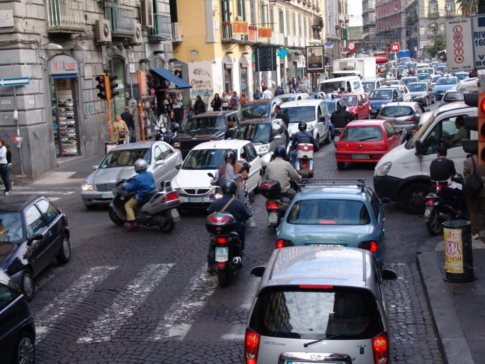 Auto - Traffico (5) Imc