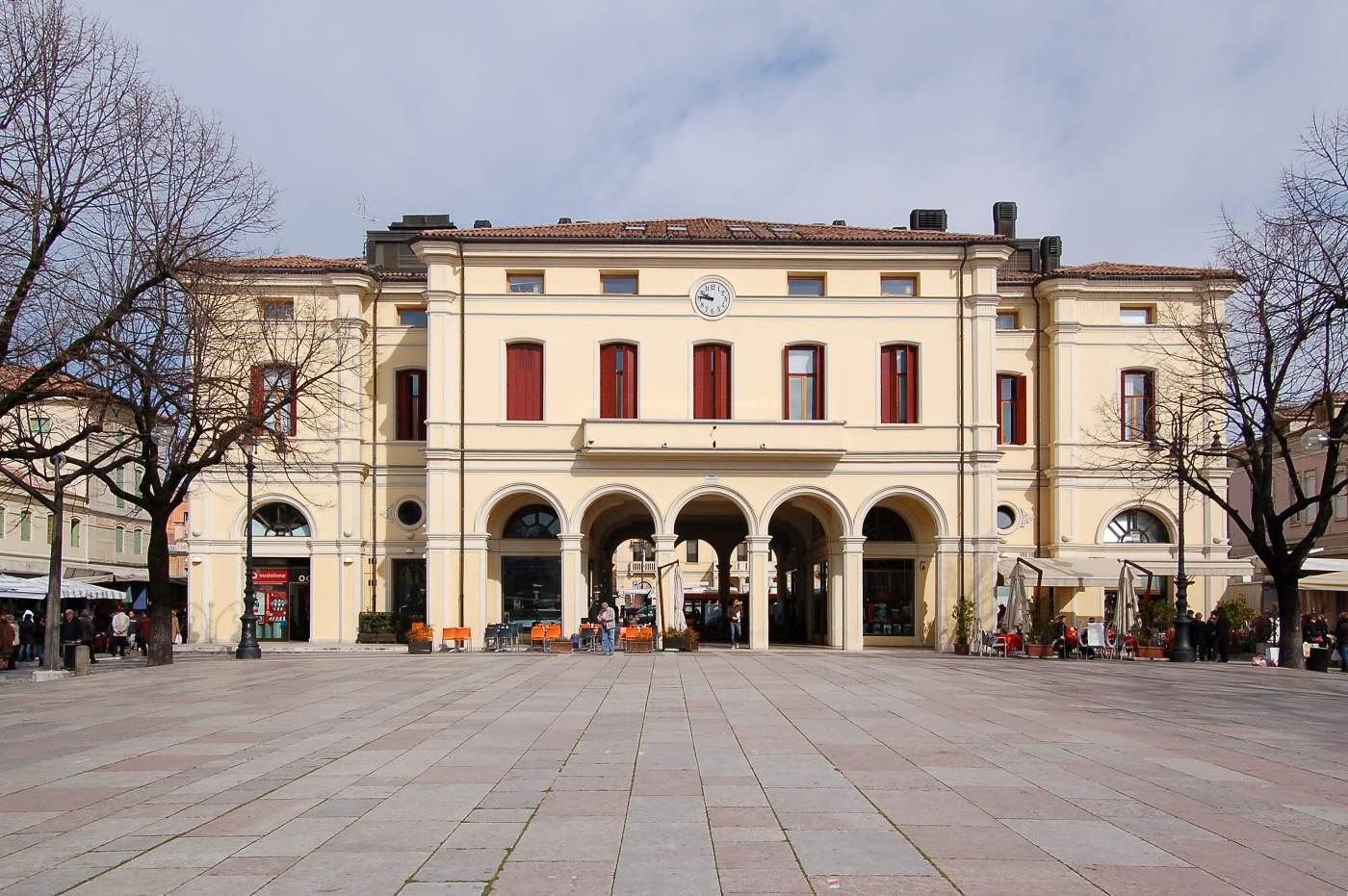 Opiniones de montebelluna for B b mobili montebelluna
