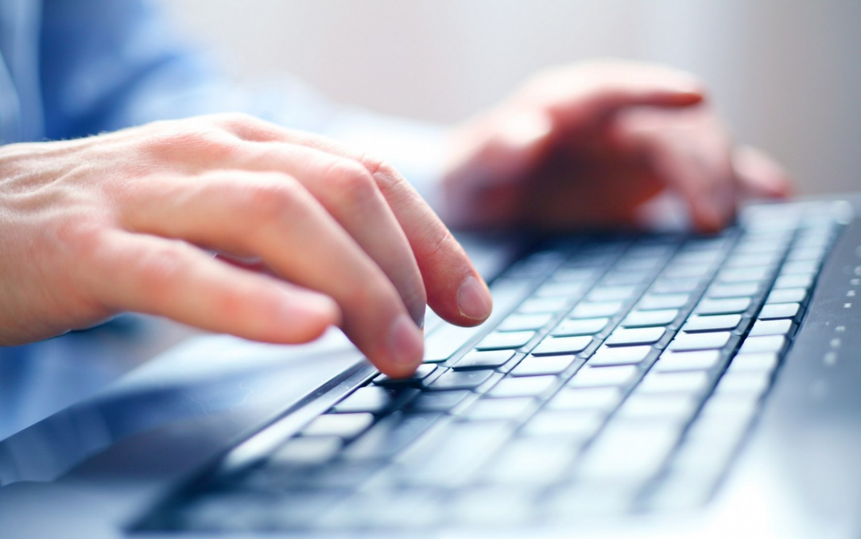 eFinance Report Nielsen: 2,1 milioni di italiani richiedono preventivi assicurativi online