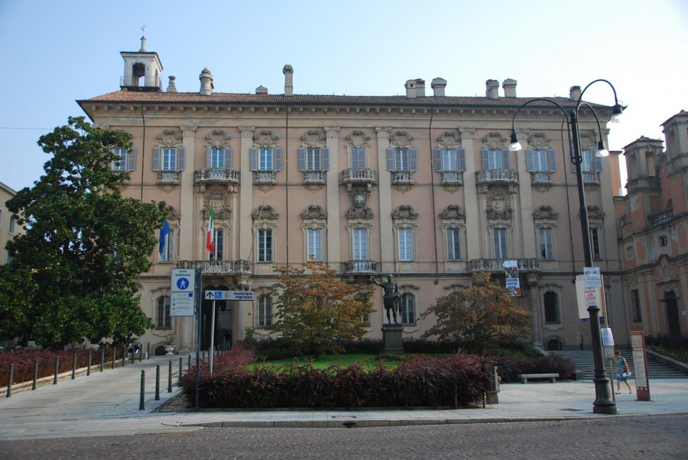 Pavia - Palazzo Mezzabarba (Sede del Comune) Imc