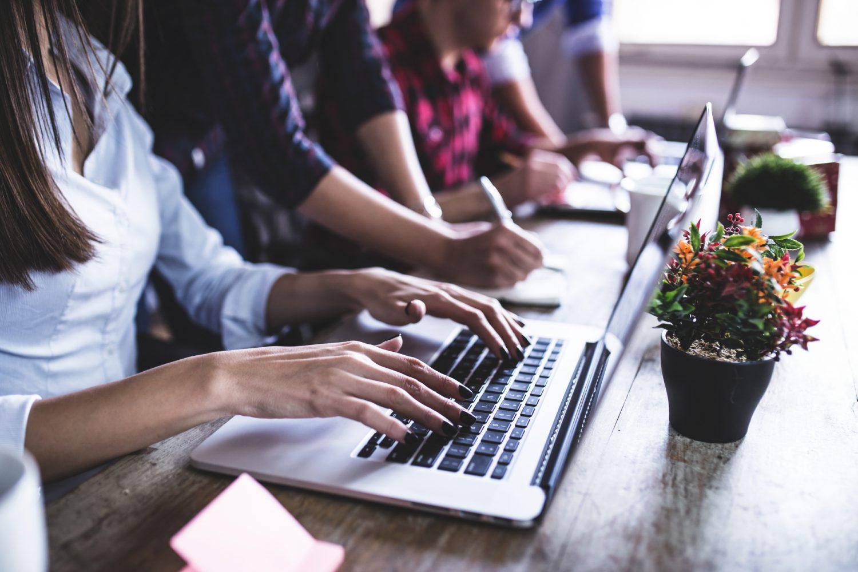 Prodotti finanziari, il 39% dei Millennials europei li comprerebbe su piattaforme di e-commerce e social network