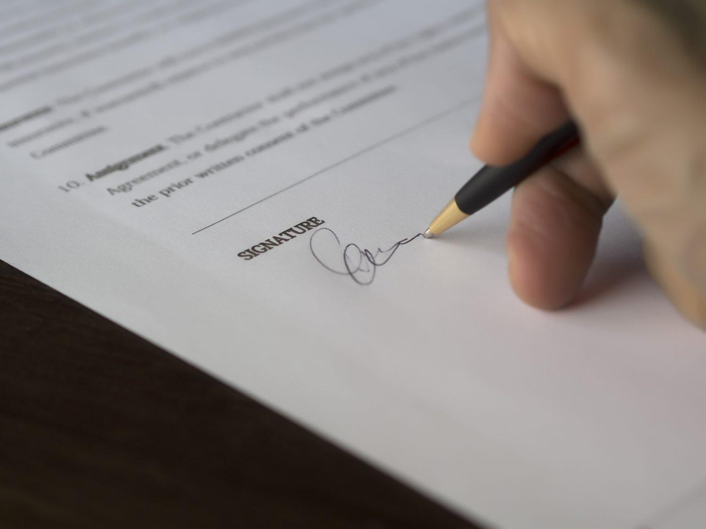 Contratti - Firma - Assicurazione Imc