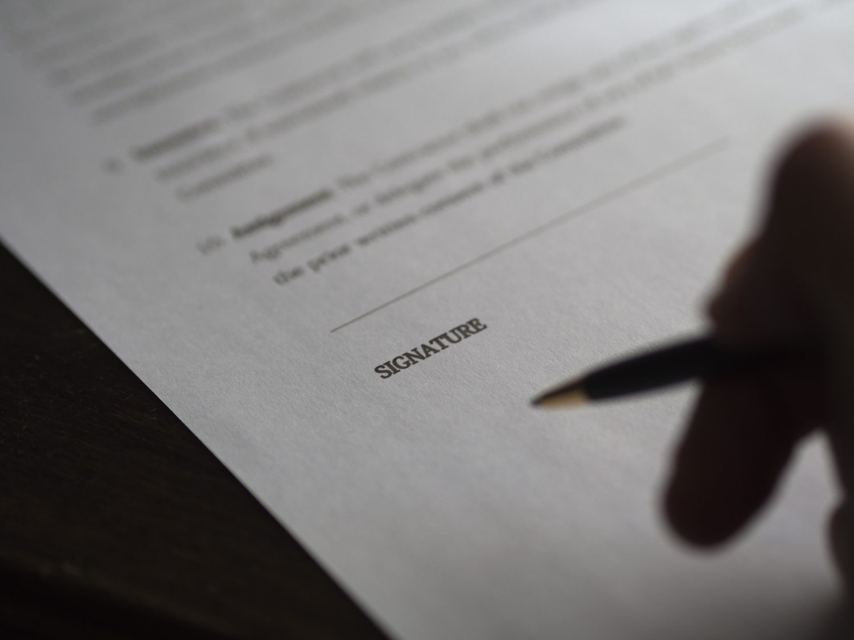 Contratto - Firma - Documento