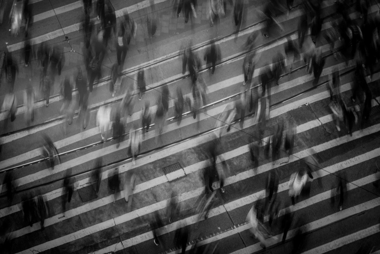 Città - Pedoni - Traffico pedonale - Persone (Foto Mike Chai - Pexels) Imc