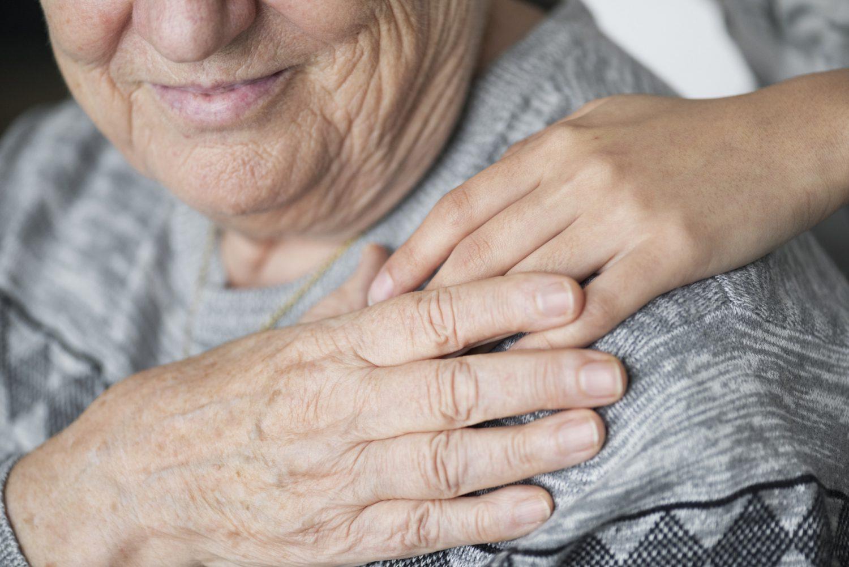 Assistenza domiciliare - Caregiver - Invecchiamento (Foto rawpixel.com) Imc