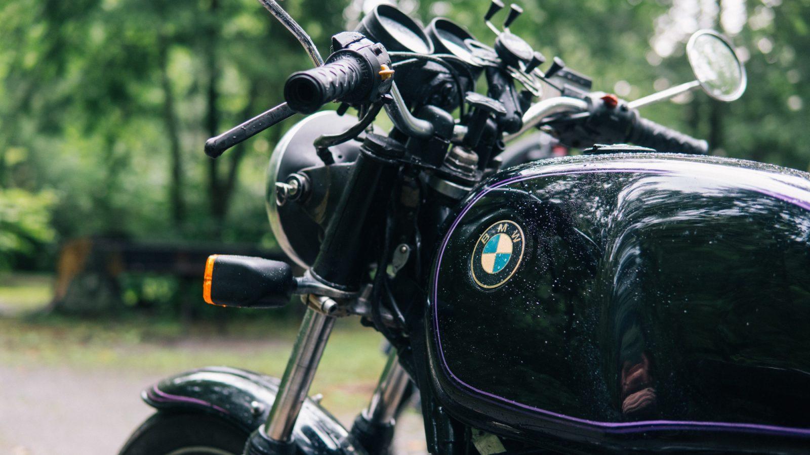 Moto BMW (Foto Kelly Lacy - Pexels) Imc