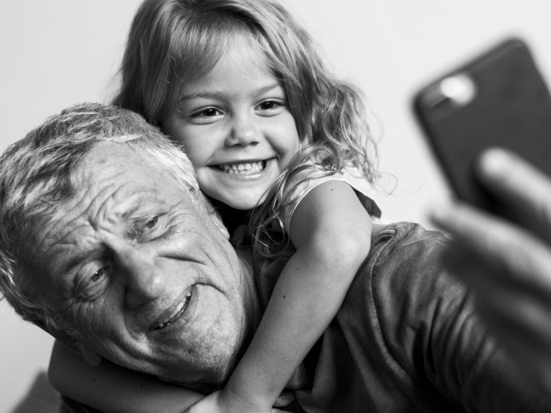 Nonni - Bambini - Anziani (Foto rawpixel.com) Imc